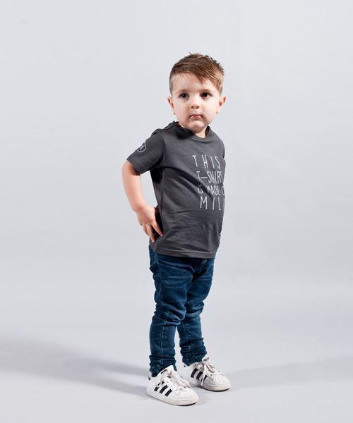 Image sur T-shirt gris en fibre de lait pour enfants