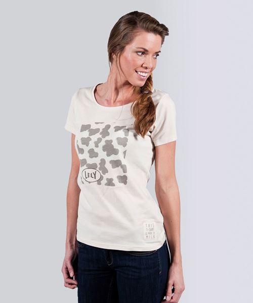 Bild von T-Shirt aus Milch